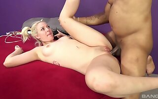 Flexible blonde model Jenna Ivory moans during interracial sex