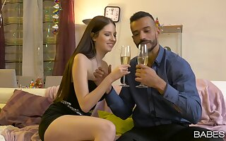 Romantic dinner ends with a good fuck for the shy amateur