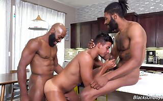 Hungry anal sexual connection in interracial threesome for a young twink